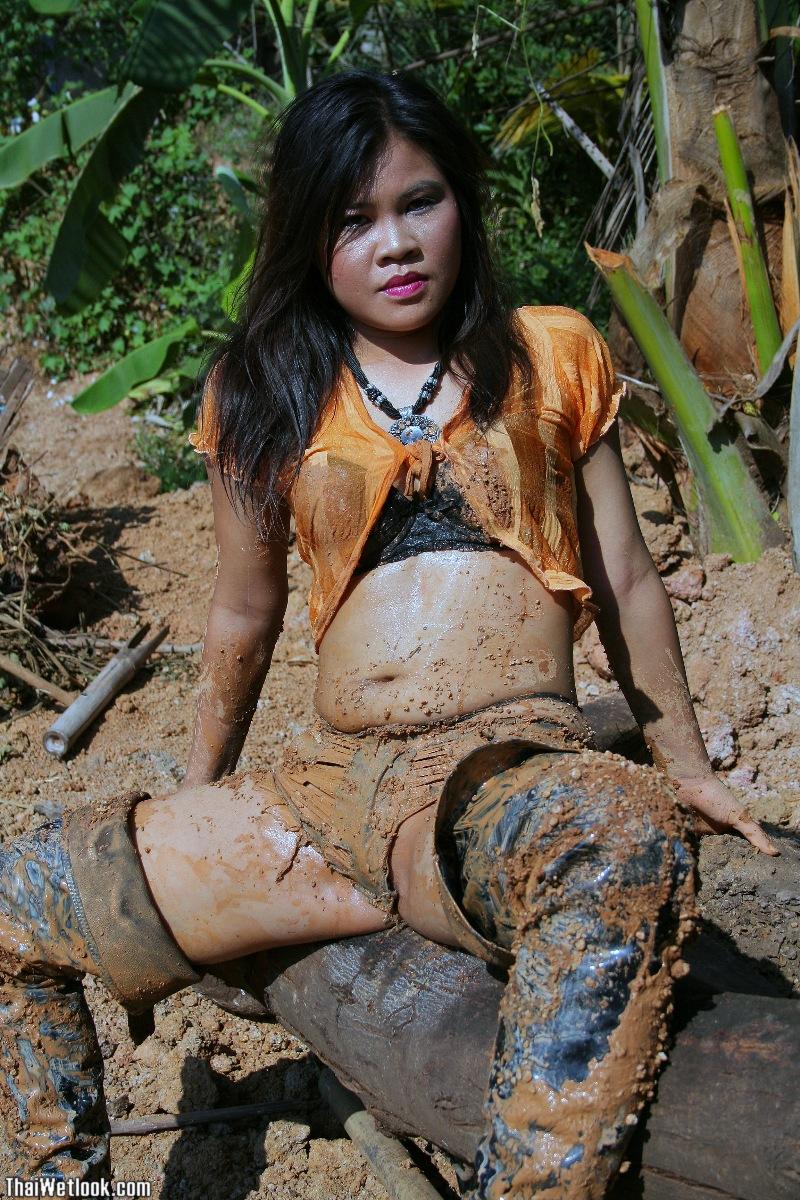Cапожные женщины в грязи. - Страница 2 Thaiwetlook23846